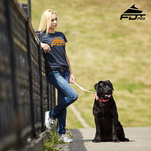 Women T-shirt of Fine Quality Cotton for Dog Walking